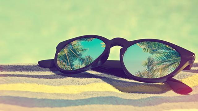 عدسی رنگی عینک