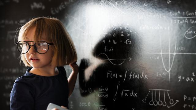 4 نکته برای کودکان عینکی در شروع سال تحصیلی
