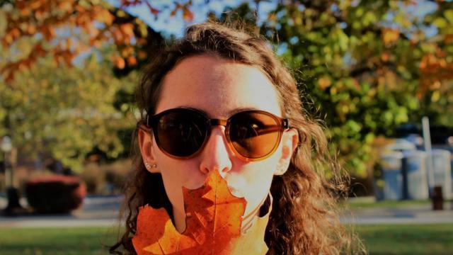 چرا در فصل پاییز باید از عینک آفتابی استفاده کنیم؟