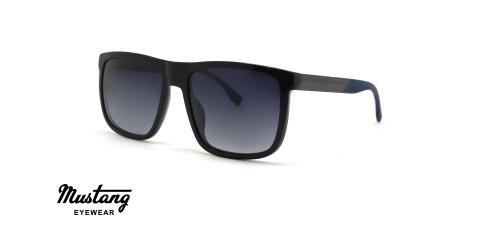 عینک آفتابی مردانه مربعی کائوچویی فریم مشکی و عدسی دودبی - عکس از زاویه سه رخ