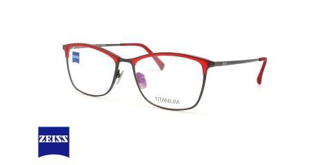 عینک طبی تیتانیوم طرح گربه ای قرمز رنگ زایس - عکاسی عینک وحدت - زاویه سه رخ