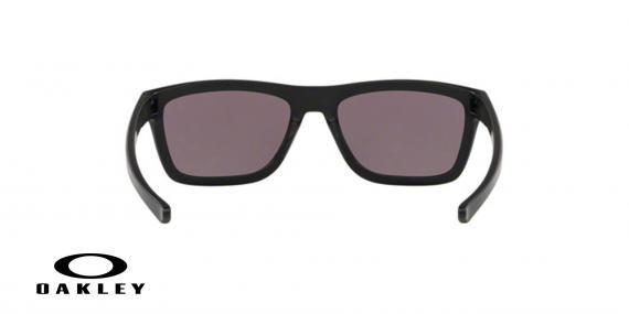 عینک آفتابی اوکلی - با عدسی های پریزم از داخل خاکستری از بیرون جیوه ای بدنه مشکی - ویژه فروش آنلاین - زاویه داخل