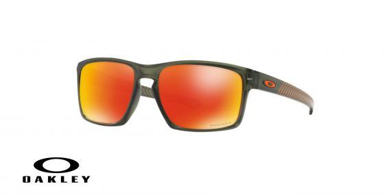 عینک آفتابی اوکلی - با عدسی های پریزم از داخل نارنجی از بیرون جیوه ای بدنه خاکستری - ویژه فروش آنلاین - زاویه سه رخ