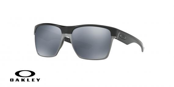 عینک آفتابی اوکلی بیس دار بدنه مشکی عدسی دودی جیوه ای - ویژه فروش آنلاین - زاویه سه رخ