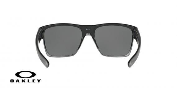 عینک آفتابی اوکلی بیس دار بدنه مشکی عدسی دودی جیوه ای - ویژه فروش آنلاین - زاویه پشت